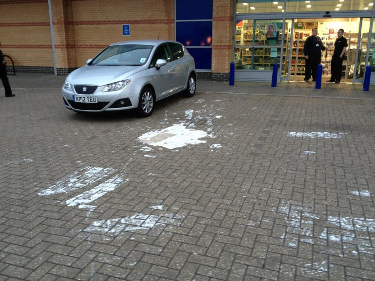 Removing Paint spillage from Block Paving