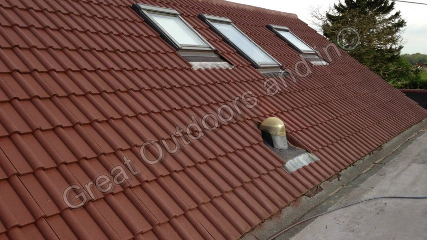 What are the benefits of roof cleaning?