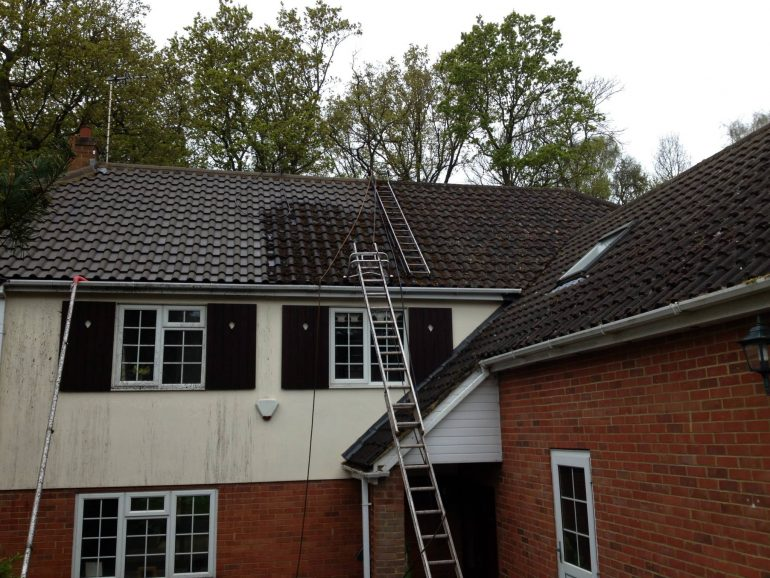 Roof Cleaning - Leighton Buzzard, Bedfordshire